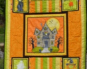 Haunted House Quilt with Visitors Handquilted