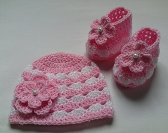 Crochet Baby Hat and Baby Booties beanie gift baby candy pink white flower baby shower photo prop