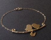 SALE- Personalized Initial Two bird and Baby bird 14k gold filled bracelet, Familly bracelet, Love Bracelet