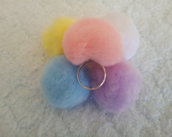 Kawaii Pom ring