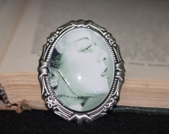 "Bride Of Frankenstein ""Close-Up Silhouette"" Cameo Brooch"