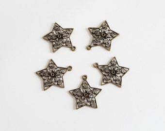 5 pcs Antique Bronze Filigree Star  Charms Pendants - CIJ - Christmas in july