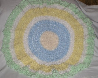 Bobbles in the Round Baby Afghan Pattern