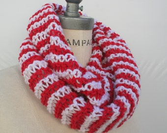 hand knit knitted lightweight Infinity Scarf, Knit Cowl  Scarf, Red White Winter scarf, - By PIYOYO