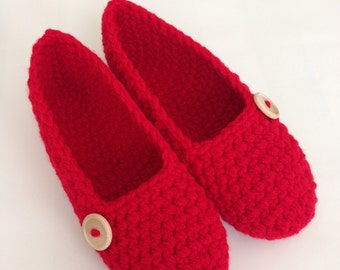 Red shoe, Simply slippers , Adult Crochet Slippers , Women slippers with wooden button, house shoes