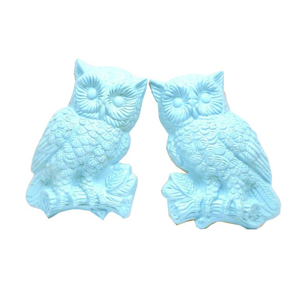 kitschy owl wall hangings, owl wall art, aqua home decor, owls, pastels, upcycled vintage