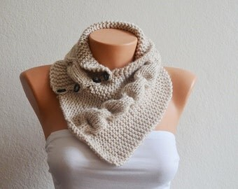 SCARF Beige neckwarmers with button,Chunky Scarf ,scarves,fall fashion,winter accessories,autumn,Knitting