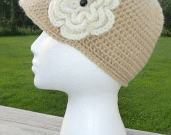 Brimmed Beige Hat With Flower