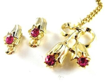 Lovely Vintage Jewelry Set Floral Designed Necklace and Earrings By 1928