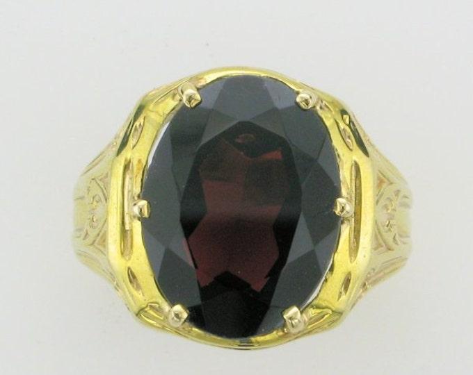 10 Karat Yellow Gold Oval Garnet Ring