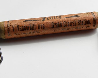 Antique Rare Fine GRAND CENTRAL STATION Fruit N.Y.C' Advertising Papered Wooden w/ Metal Wire Carrying Parcel Handle