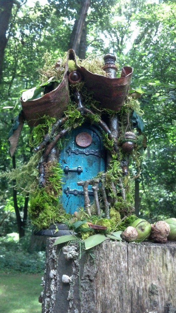 Items similar to fairy friends house 2 room on etsy for Idea behind fairy doors