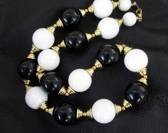 Vintage beaded necklace, black white and gold tone, chunky beaded necklace, short beaded necklace, Lucite, 80s