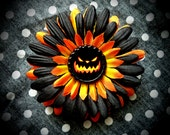 Evil Pumpkin hair flower