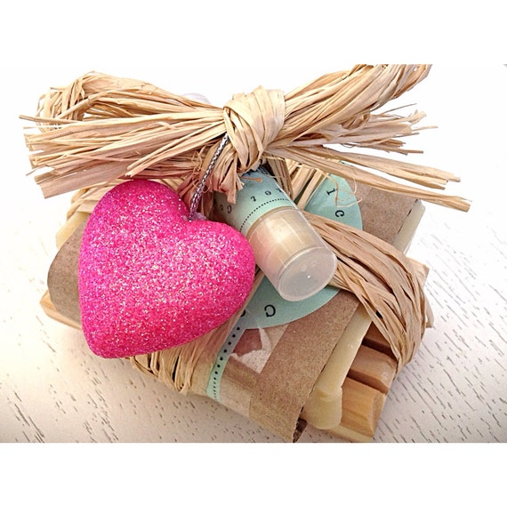 Pink Heart Soap Set - Gift Set for Her - Soap Gift Set - soap - heart - birthday/wedding/anniversary/thank you set - pink