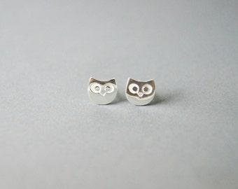 Owl  Earrings - Owl stud - handmade in sterling silver
