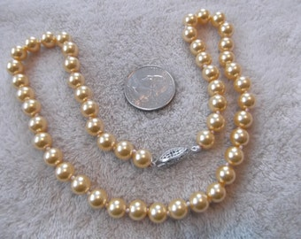 Vintage Necklace-Creamy Chaffon Pearl Beaded-Hand Knotted -N 758
