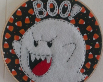 Handmade embroidered hoop Boo from Mario Bros -8 inches