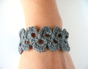 Lace Trim bracelet, Shabby chic bracelet, Gray linen bracelet, Romantic Birthday gift, Crochet Bracelet, Wedding Bracelet, Wide Cuff