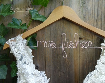 Wedding Dress Hanger, Bride Hanger, Personalized Mrs Hanger, Custom Bridal Shower Gifts,Engagement Gift, Bridesmaid Gifts,Wedding Photo Prop