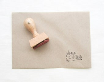 Please Don't Bend Stamp - please do not bend - don't bend stamp - snail mail stamp - mail - rubber stamp - G0002