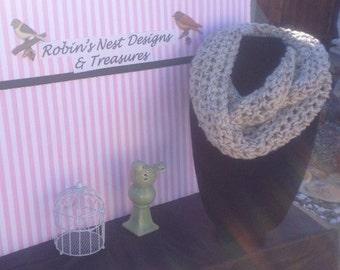 0080 Crochet Infinity Scarf - Oatmeal