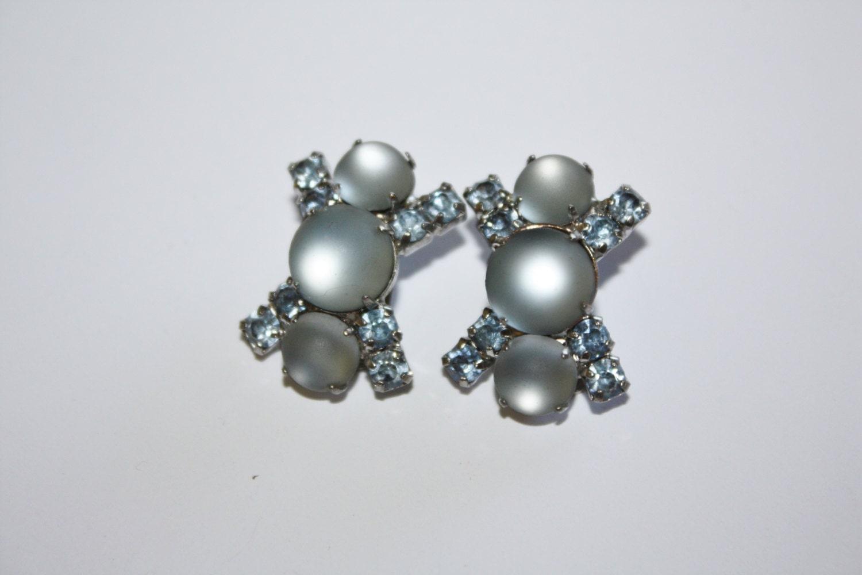 vintage blue rhinestone earrings 1950s jewelry by patwatty