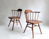 Pair of Mid Century Windsor Chairs in the style of George Nakashima, Paul McCobb. Captains Chairs. - owlsongvintage