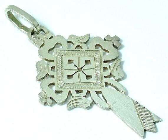 Vintage/ estate 1970s handmade sterling silver, Christian / doves cross pendant
