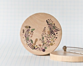 Illustrated wooden brooch - Botanical