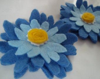Blue daisy felt duo hair clips