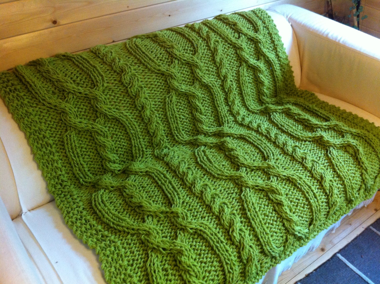 Knitting Pattern For Throw With Cables : Snuggly Cable Blanket / Throw. Knitting pattern by DaisyGrayKnits