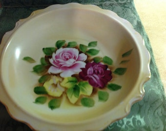 Beautiful Vintage Bowl Yellow/Cream With Pink & Red And Yellow Roses Japan