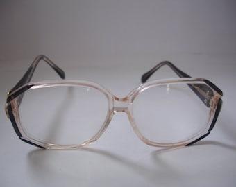 Wonderful Vintage Women's eyeglasses - See our huge collection of vintage eyewear