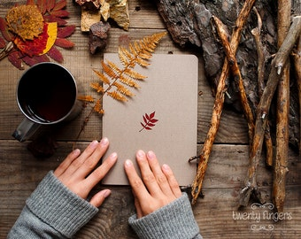 Forest notebook with a carved pattern - Leaf