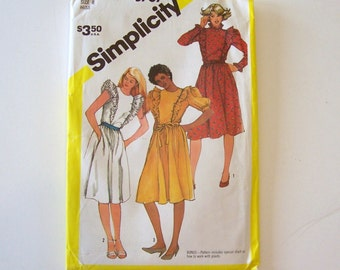 Dress Pattern by Simplicity 5787 for Women Size 8 - Womens Dress, Sewing Pattern, Womans Clothes, Vintage Pattern