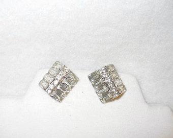 Authentic Vintage Weiss Unusual Box Corner Clear Rhinestone Clip Earrings