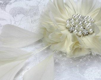 Cream Feather Head Dress, Feather Hair Piece, Feather Wedding Hair Accessory, Feather Bridal Hair Accessory, Feather Bridal Head Piece
