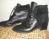 Vintage 1990 Black leather ankle booties size 8.5 lace up boots size 8 1/2 victorian costume style Renaissance fair steampunk festival shoes