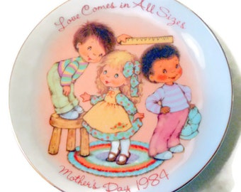 Love Comes in All Sizes 1984 Avon Mother's Day Plate @LootByLouise