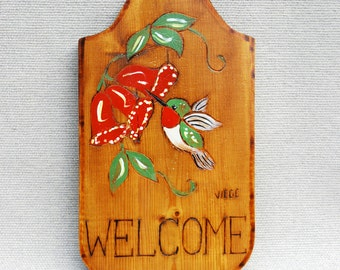 "Vintage Wood ""Welcome"" Wall Plaque With Hummingbird"