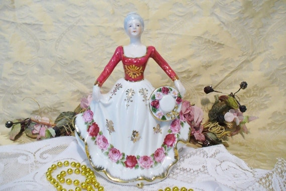 Vintage Collectible Figurine Victorian Lady Shabby Pink Roses Style