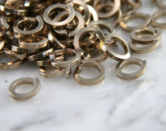 18 ga 3/16, 200 Square Champagne Anodized Aluminum Chainmail Jump Rings