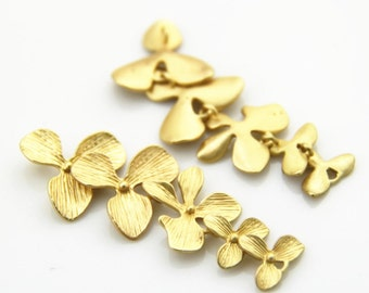 2 pcs of five brass flower connected charm 1064-52mm-mat gold