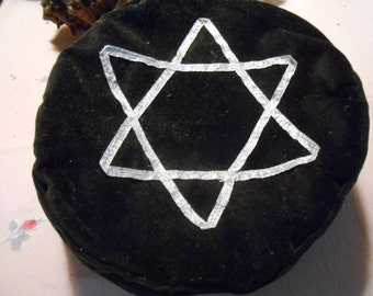 Black Velveteen Star-of-David Hat