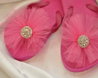 Custom WEDDING RHINESTONE Flip Flops, BRIDESMAID Flip Flops, Simple & Elegant BlingTulle Flip Flops, Bridal Party Gift, Beach Weddings
