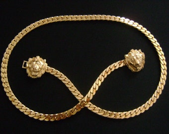 """Very Chic Vintage Accessocraft NYC Goldtone Thick Herringbone Chain Double Lion Head-Face Buckle Skinny Belt or Runway Necklace 28.5"""" 133.6g"""