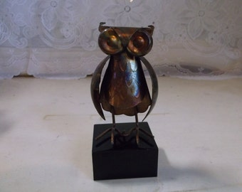 Vintage retro Owl Industrial  Abstract Art Figurine.epsteam
