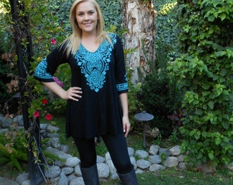 Plus Size, Tunic Plus, Black Tunic Top, Plus Tunics, Tunics, Tunic Top, Turquoise Embroidery, S M L XL 2X 3X, Bell Sleeve