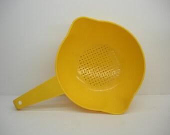 One Quart Vintage Tupperware Colander - Bright Yellow Strainer